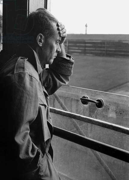 Tired and melancholic repatriate from Indonesia, who came to The Netherlands on the M.S. Tegelberg. 28 August 1946