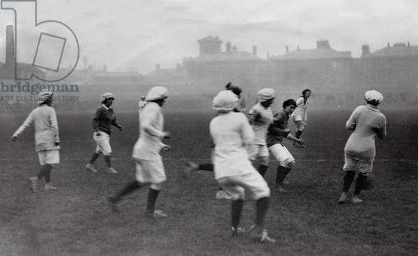 Women's soccer, Portsmouth, England, 1917