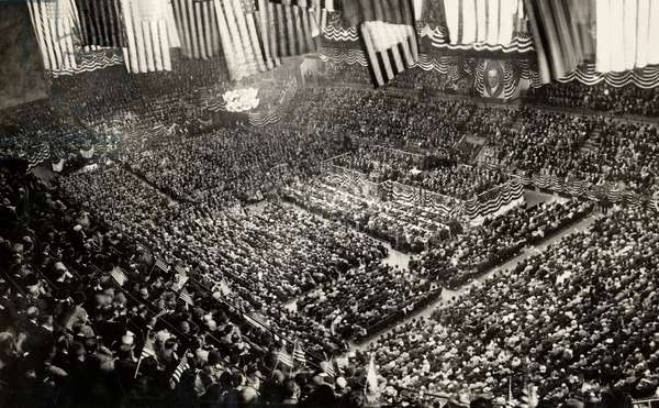 First World War: Massive celebration of the truce in New York. United States, November 10, 1918 (b/w photo)