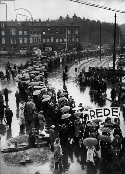 Women demonstrating for peace. Holland, The Hague, c.1938