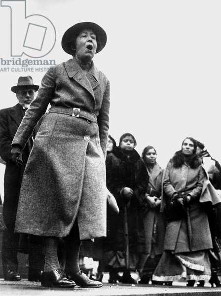 Sylvia Pankhurst, protesting the English Policy in India, Trafalgar Square, London, 18 January 1932 (b/w photo)