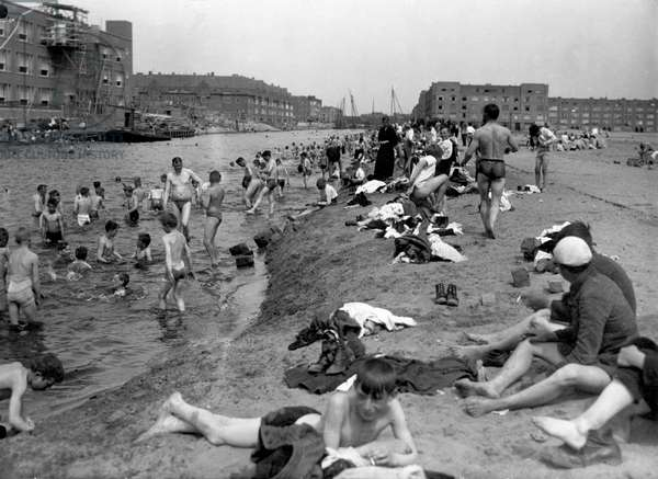 Summer in Amsterdam, 1923