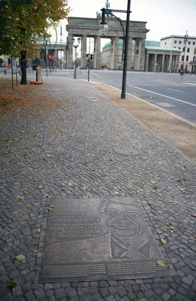 A plaque at the Brandenburg Gate in Berlin