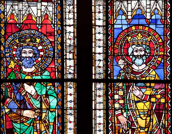 Stained glass window depicting Charles Martel and Charlemagne, Strasbourg Cathedral (photo)