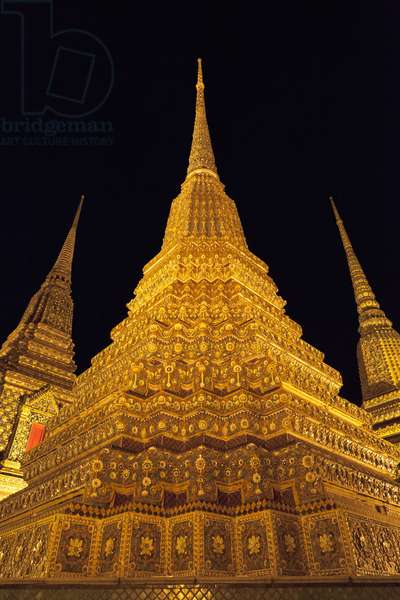 Wat Pho at night (photo)