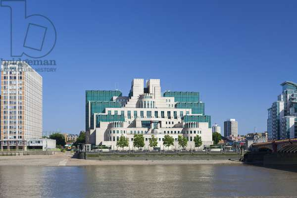 SIS/MI6 Building, 85 Albert Embankment, Vauxhall, London.