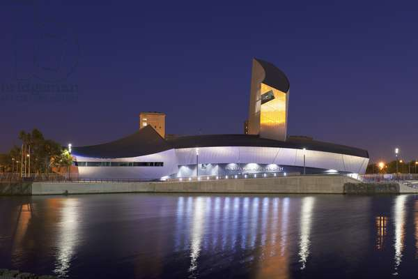 The Imperial War Museum North at night (photo)