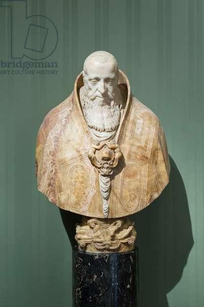 Bust of Paul III, 1560 circa, Guglielmo della Porta (marble and alabaster)