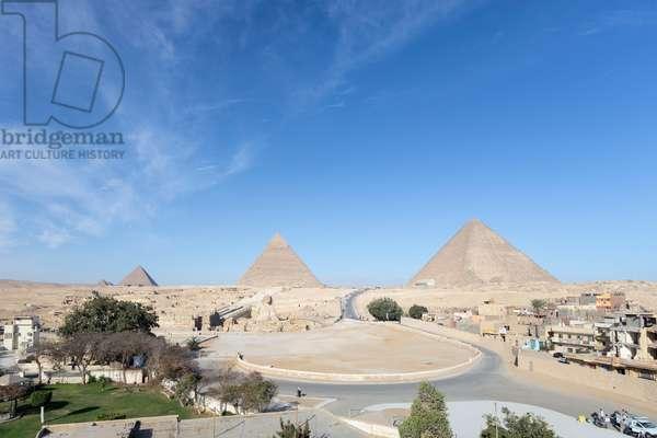 The three main pyramids and the Sphinx, Giza, Egypt, 2020 (photo)