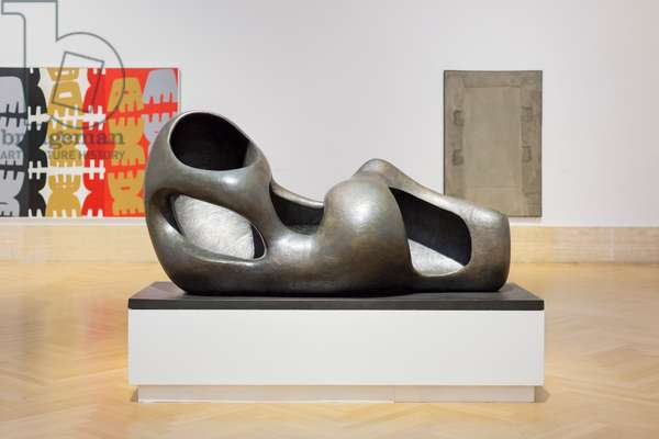 Reclining Figure (external form), Figura distesa (forma esterna), 1953-54, Henry Moore (sculpture)