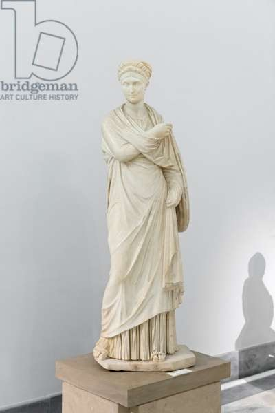So called small Herculaneum woman, early 2nd century AD, copy of an original greek from the 4th century BC (marble)