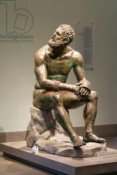 Boxer at rest, 1st century BC, (bronze)