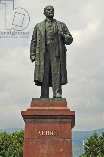 Ukraine, Yalta, statue of Lenin