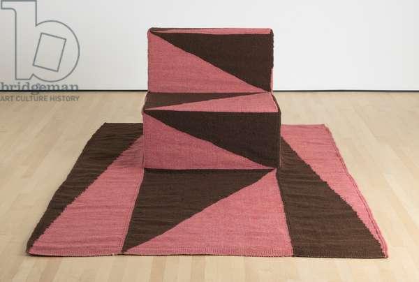Sillón Tapete [Rug chair], 2017 (wool, wood, and foam)