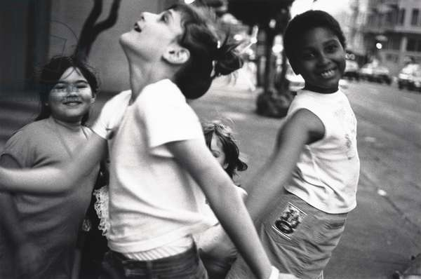 Dancing Girls, Tenderloin, San Francisco, 1989 (gelatin silver print)
