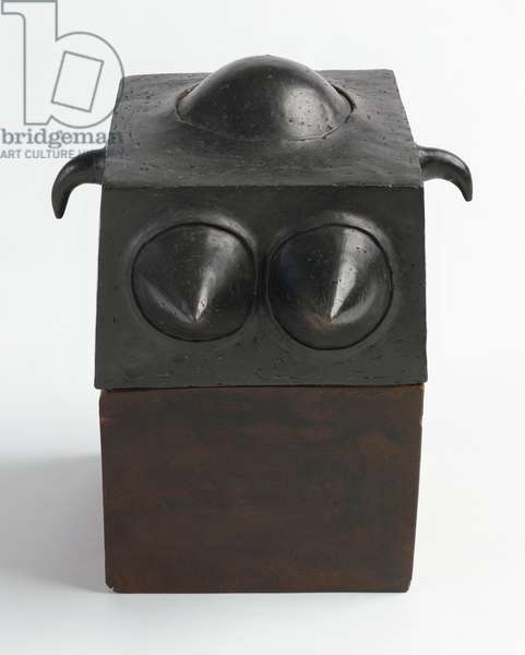 Queen, 1964 (blackened earthenware with wooden base)