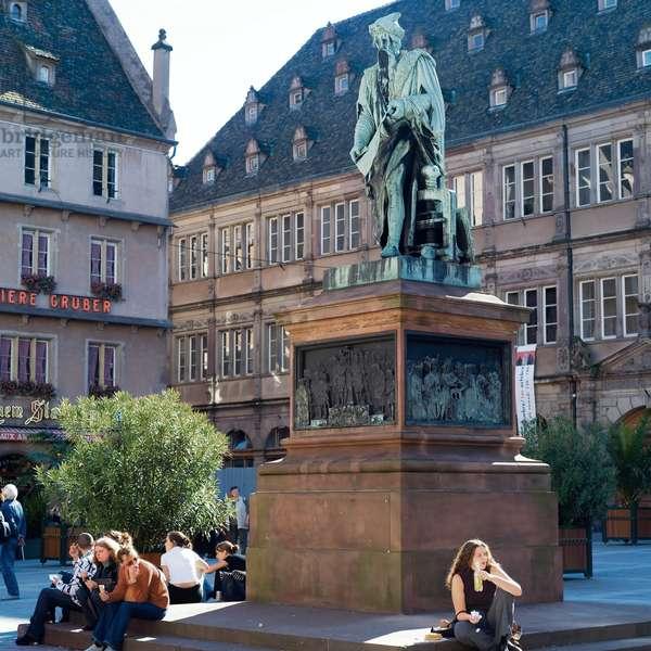 Gutenberg monument in Place Gutenberg (photo)