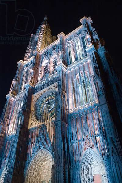 Strasbourg Cathedral at night (photo)