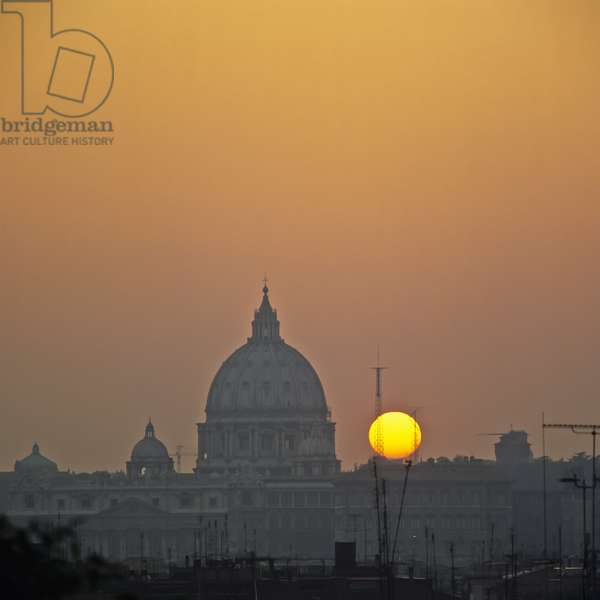St. Peter's Basilica with a sunset, from Pincian Hill, Rome, Italy (photo)