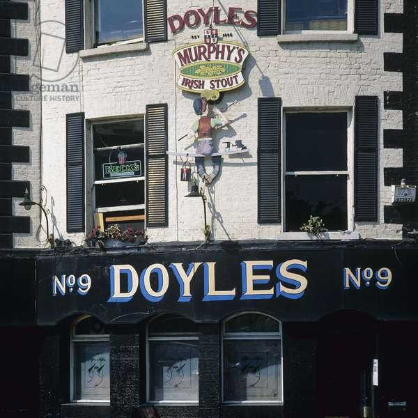 Doyles No.9 Pub, Dublin (photo)