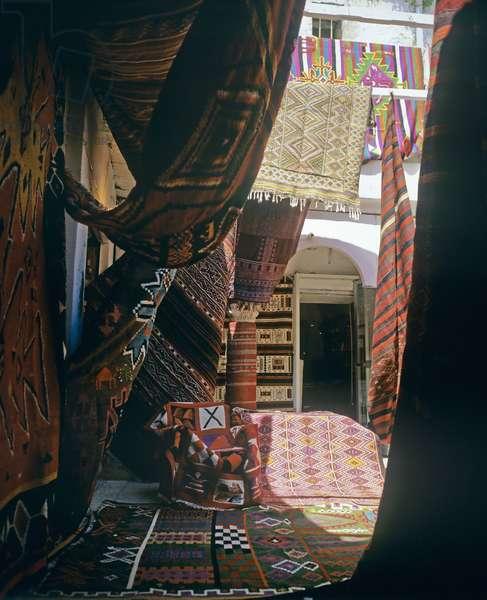 Carpet shop in the Medina (photo)