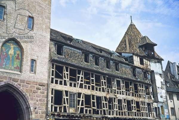 Half-timbered house renovation site, Strasbourg (photo)