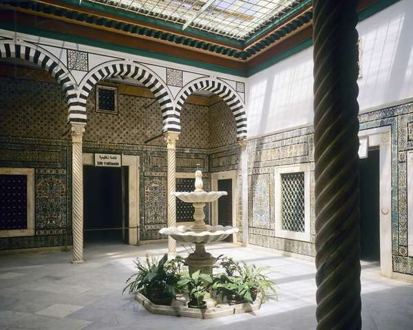 Bey's harem patio (photo)