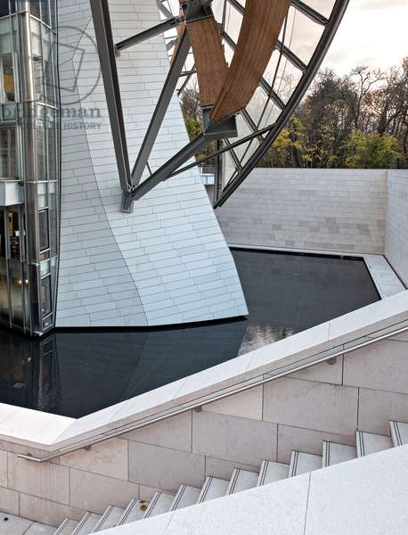 Detail of the base, Fondation Louis Vuitton project by Frank Owen Gehry, Paris, France (photo)