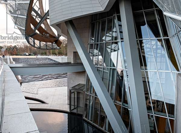 Detail of the North side, Fondation Louis Vuitton project by Frank Owen Gehry, Paris, France (photo)