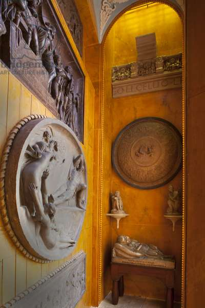 A small recess off the Staircase houses a display of original models by the sculptors John Flaxman, Sir Frances Chantrey and Thomas Banks, Sir John Soane's Museum, London (photo)