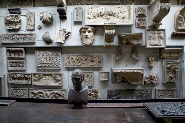 The Students' Room looking north, showing the extensive collection of casts of Classical architectural ornament, Sir John Soane's Museum, London (photo)