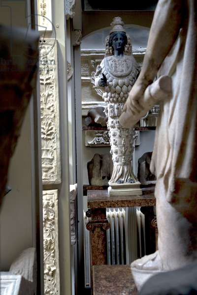 View of the statue of Diana of Ephesus, Sir John Soane's Museum, London (photo)