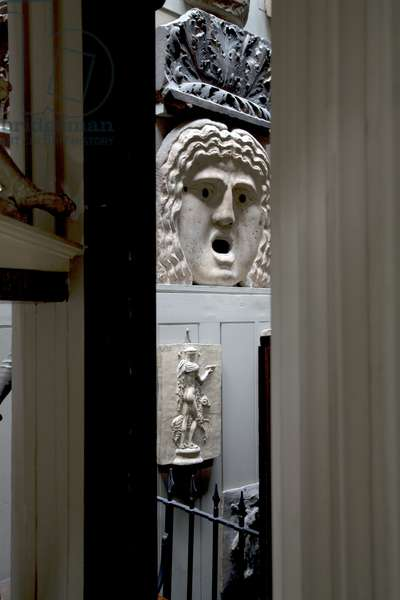 Sculpture in the Colonnade,  Sir John Soane's Museum, London (photo)