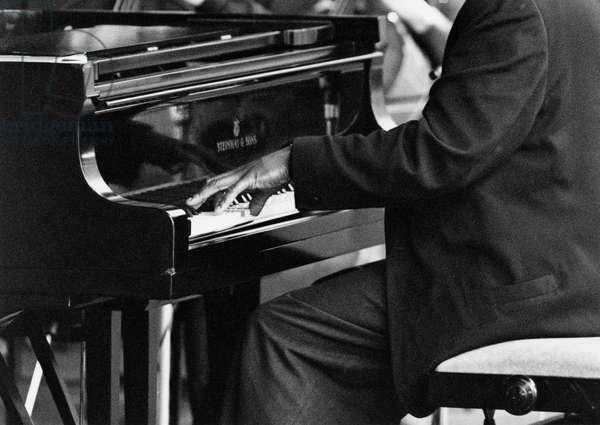 Generic - Jazz pianist