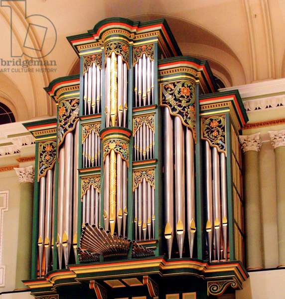 Organ in auditorium -