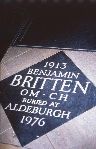 Benjamin Britten tombstone in