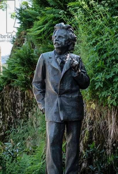 Grieg Statue Troldhaugen