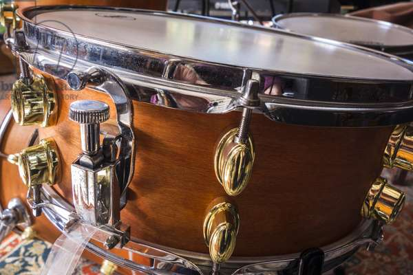 Snare drum snare lever
