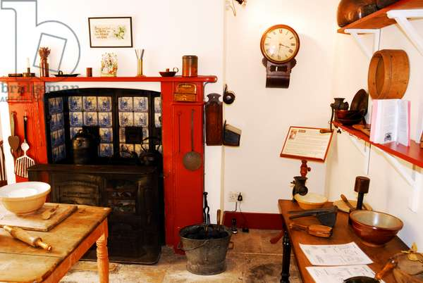 Gustav Holst Birthplace Museum, kitchen hearth and tiles