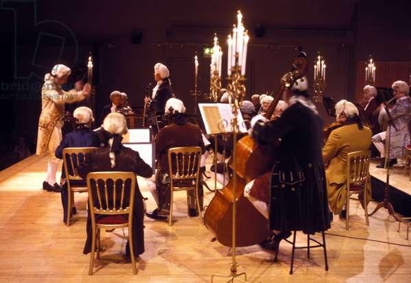 Mozart Festival Orchestra -
