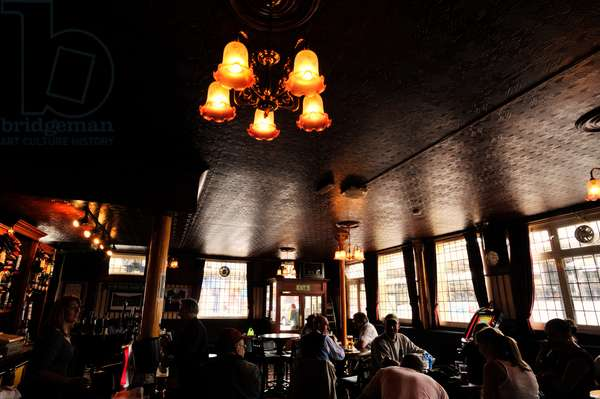 London pub - Dickens connection