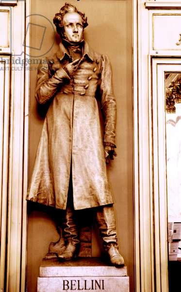 Vincenzo Bellini - statue
