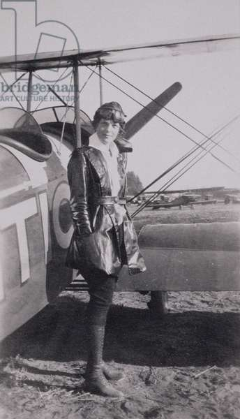 Amelia Earhart (1897-1937) next to the McLintic bi-plane, c.1922 (b/w photo)