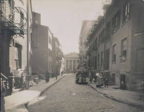 Street scene, Greenwich Village, New York, 1916-20 (b/w photo)