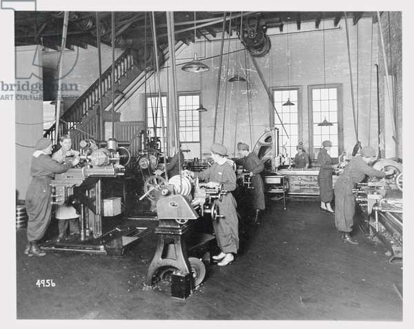 Women working in factories during World War I, c.1917 (b/w photo)
