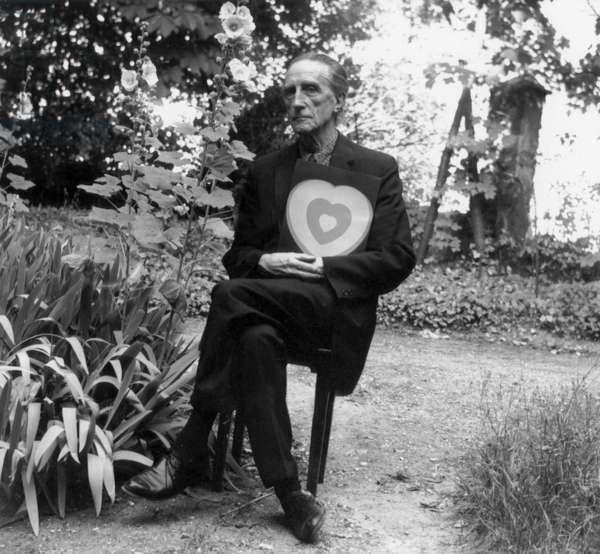 Marcel Duchamp (b/w photo)