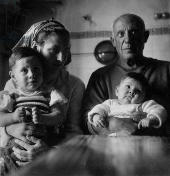 Pablo Picasso (b/w photo)