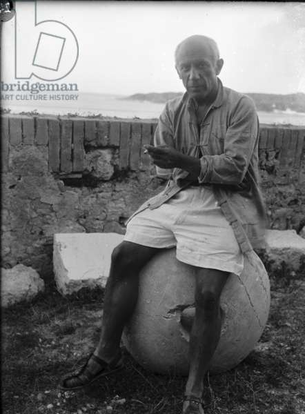 Pablo Picasso in Antibes, 1946 (b/w photo)