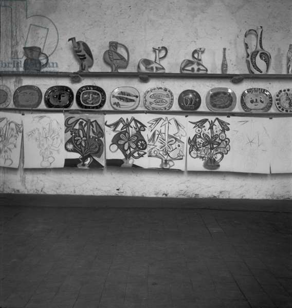 Works of Pablo Picasso, poterie Madoura, Vallauris, c.1947 (b/w photo)