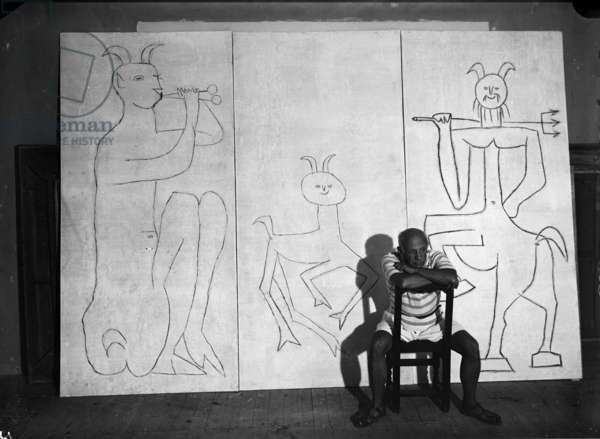 Picasso and the triptych, Antibes, summer 1946 (b/w photo)